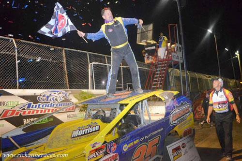 Cozze Conquers Autodrome Drummond; Wins First SDS Feature Since 2008